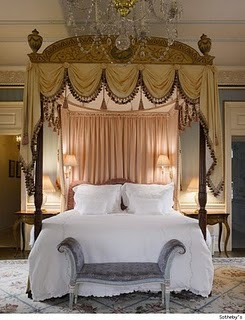Top most elegant beds and bedrooms in the world english style bedroom - The most beautiful bedroom in the world ...