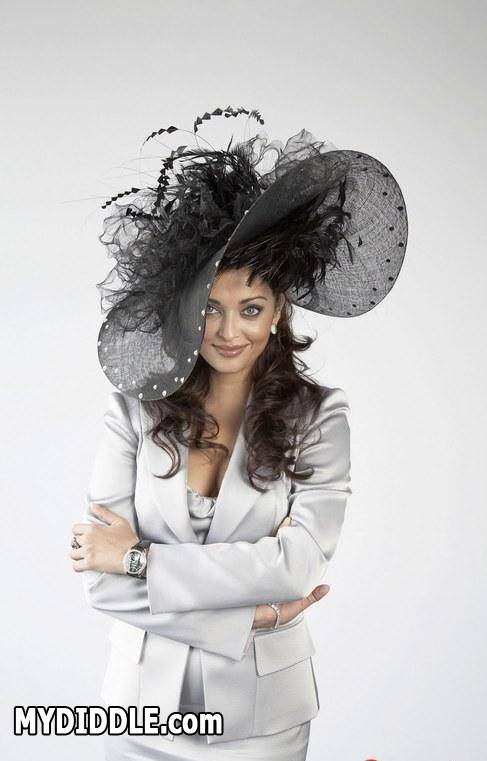 Aishwarya Rai - Aishwarya Rai Hot Pics in English Dress