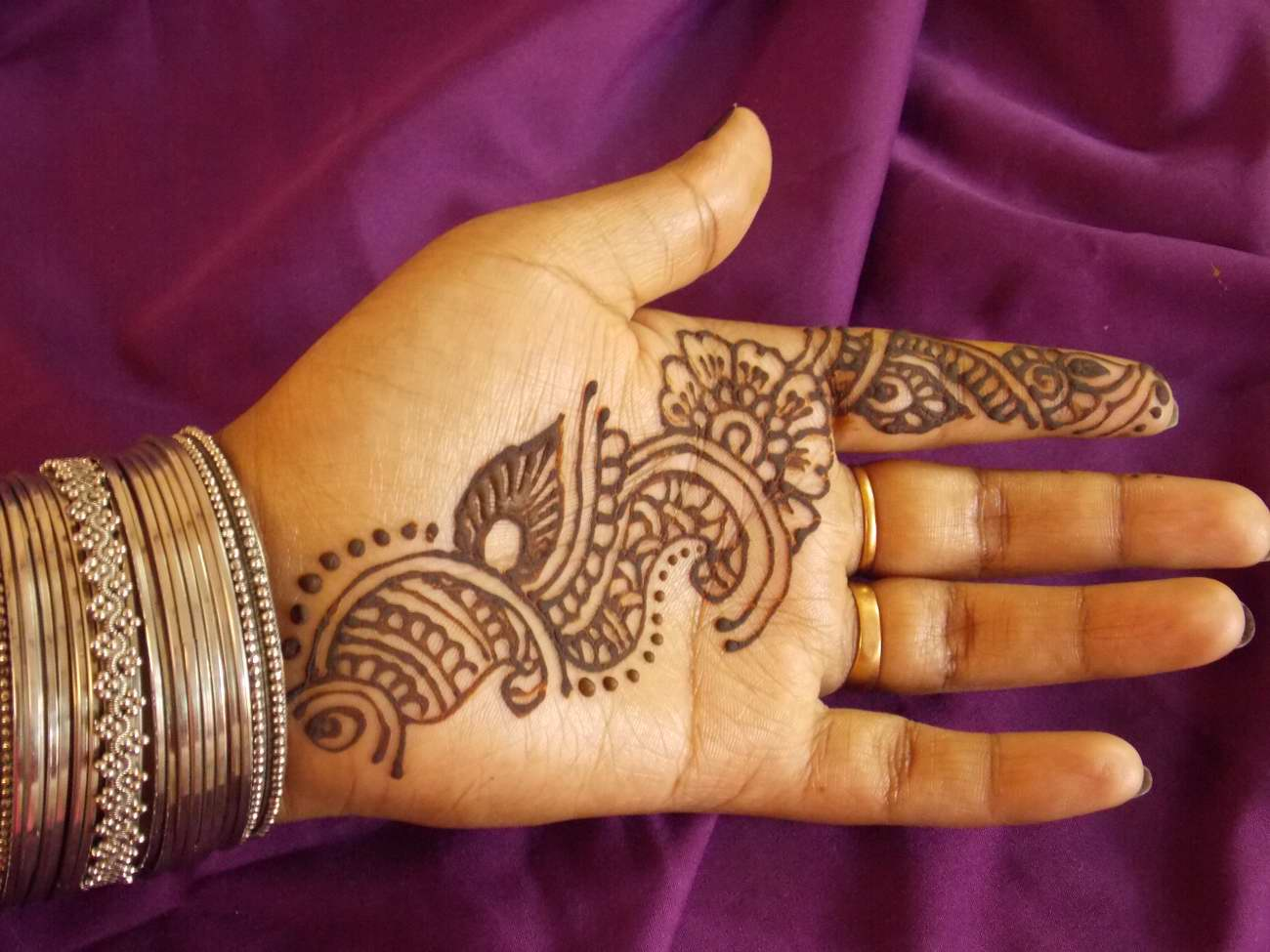 Henna Mehndi Temporary Art FashionAvtaar