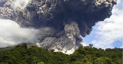 Volcán Reventador en erupción 09 de Noviembre 2012
