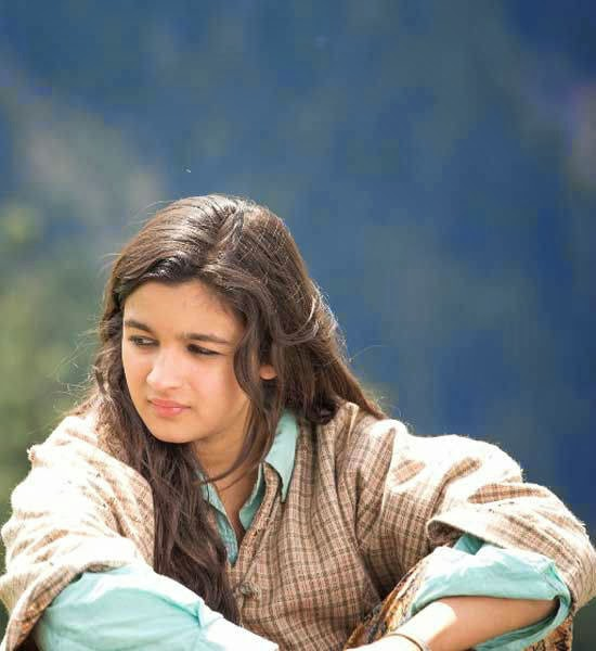 Alia Bhatt shooting for Highway at Aru Valley, Kashmir