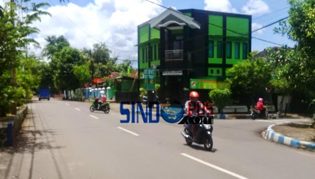 Bangunan Langgar Batas Roy Jalan