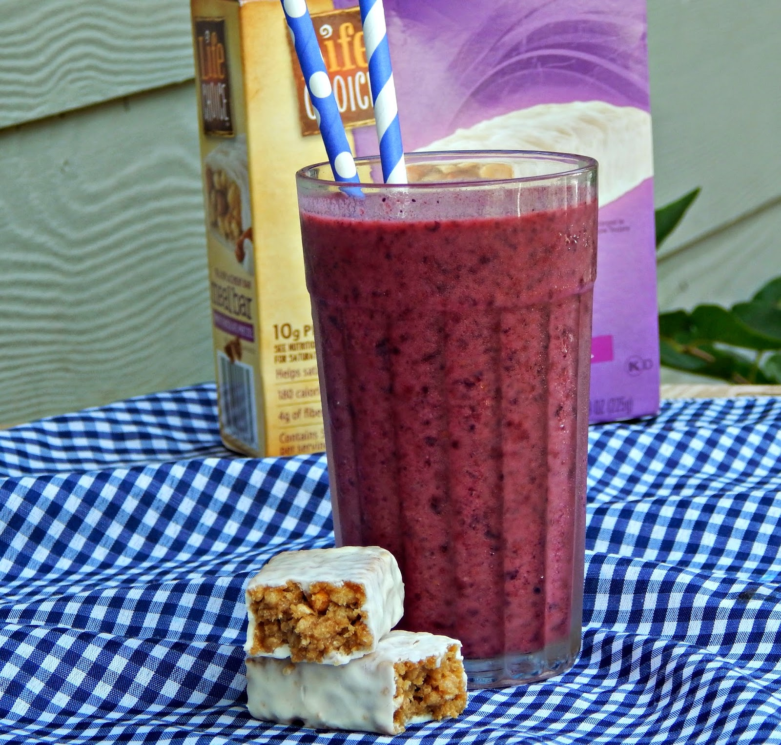 Black and Blueberry Smoothie #barnutrition #collectivebias #shop
