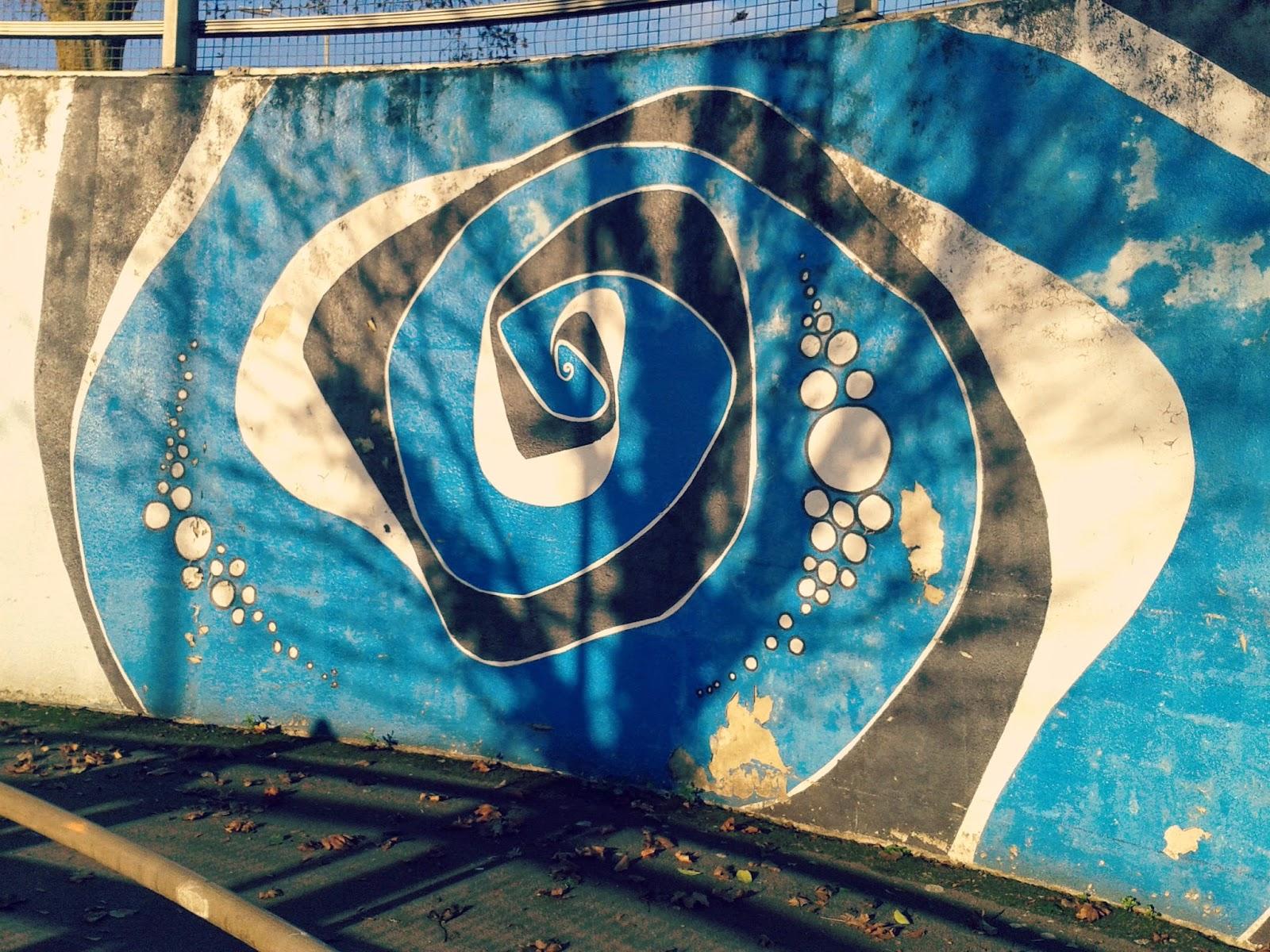Project 365 day 364 - Grafitti in the Winter sun // 76sunflowers