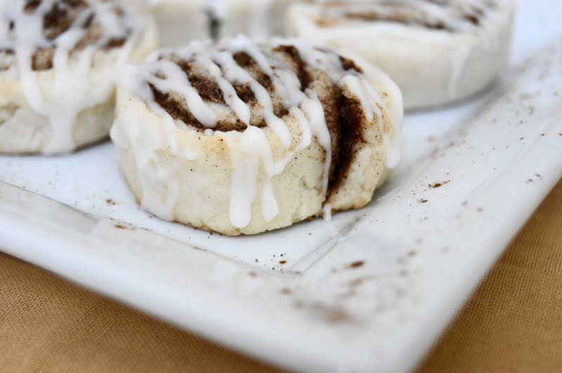 The Kitchen is My Playground: Cinnamon Roll Cookies