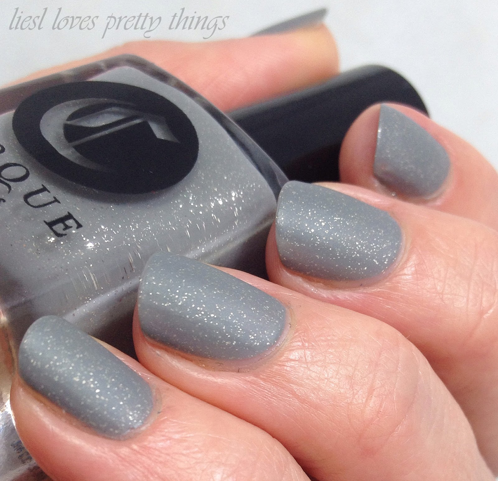 Cirque Awakening collection New Moon swatch and review