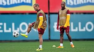 Sneijder-Drogba-champions-league