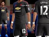 Kostum Manchester United Terbaru untuk PES 2013