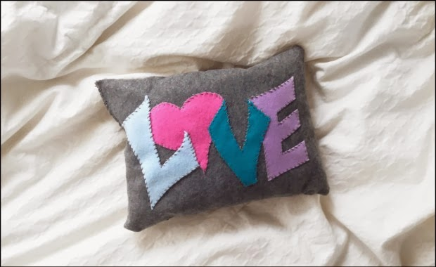 http://blog.oubly.com/make-love-pillows-war-valentines-day/