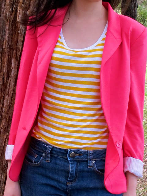 {Pop Jersey} Bright blazer and wedges on petiteplayground.blogspot.com