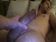 Vídeo - Batendo Punheta para o amigo dormindo