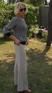 Szerokie spodnie i bluzka