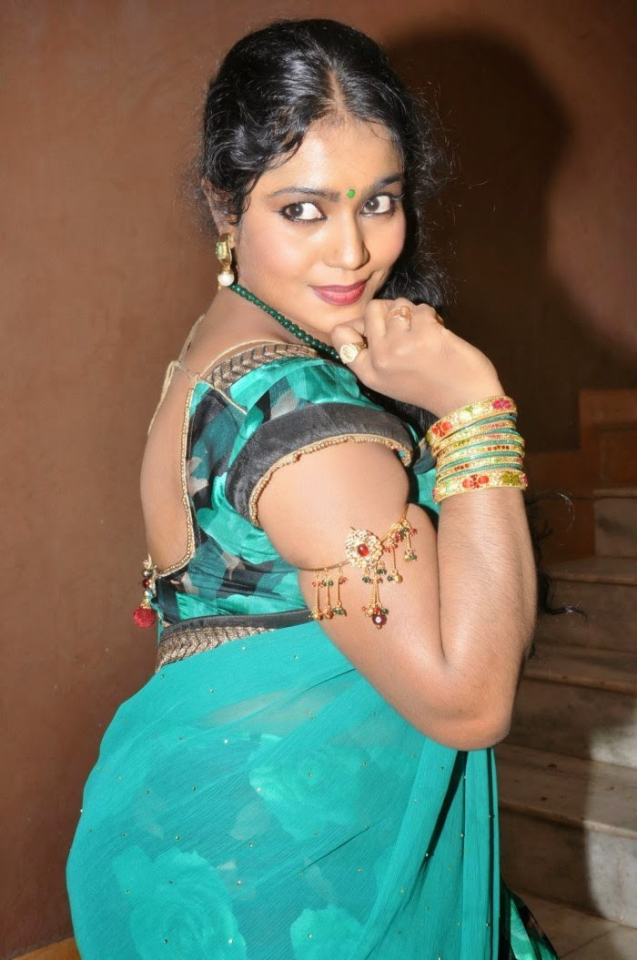 Aunty Actress Jayavani Hot HD Photos In Saree At Minugurulu Audio ...