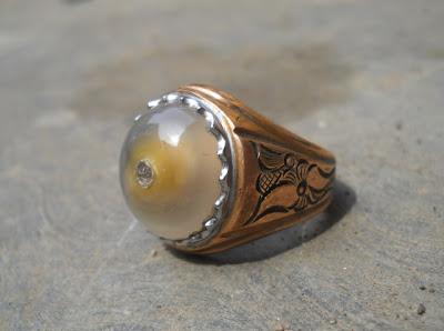 AK110- Batu Sumur Bandung Kristal… Antik !!!