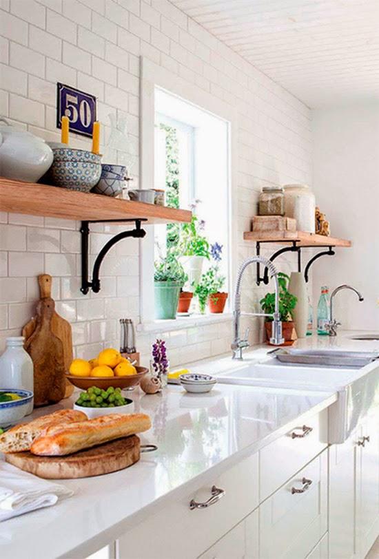 mao francesa na cozinha