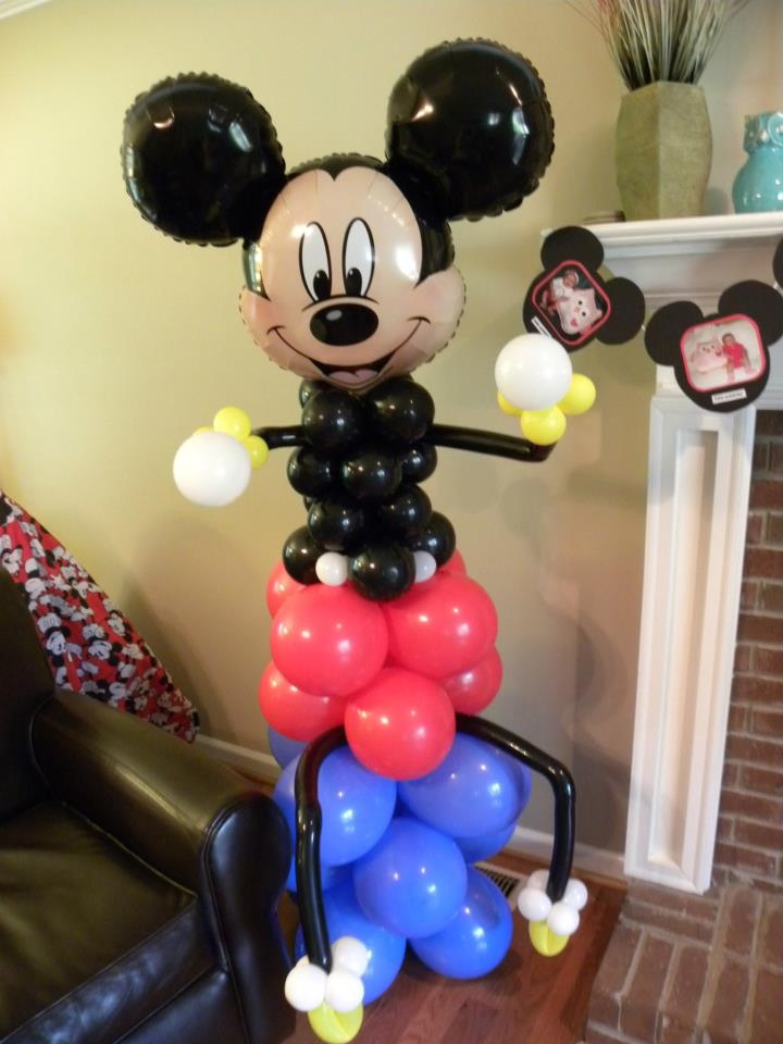 The Twisted Flower: Mickey Mouse Balloon Decorations