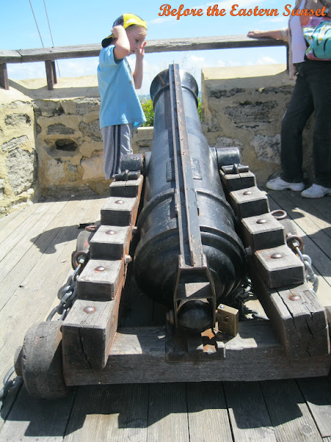 Fremantle City Round House - cannon