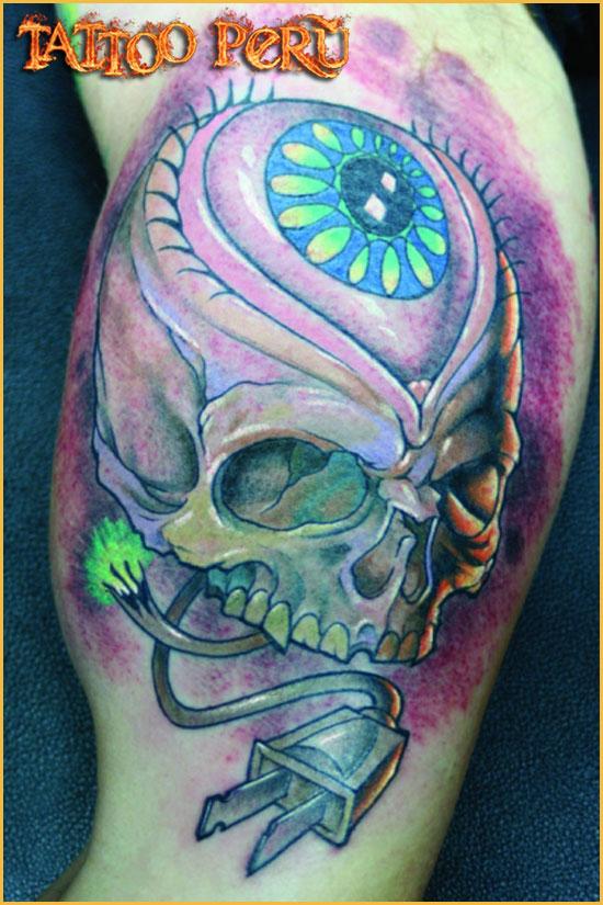 ¿En que parte del Cuerpo se puede Tatuar?. 01_calavera_new_school