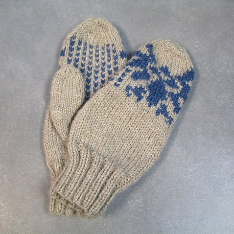Knitting: Legend of Zelda Mittens ~ Spiffy Stitches