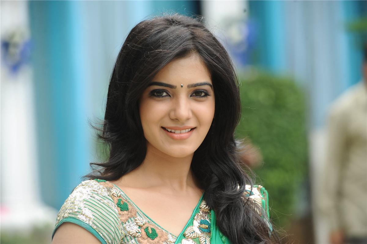 http://3.bp.blogspot.com/-5Ey5klSkfiw/TxUOOfM9s9I/AAAAAAAACwU/sueWdBQpy6A/s1600/samantha+saree+photos.jpg