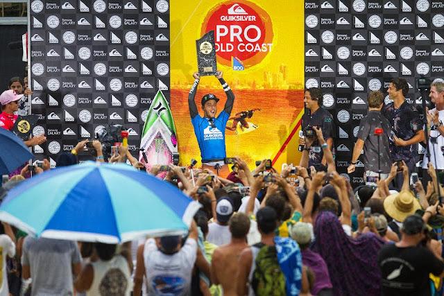 26 Quiksilver Pro Gold Coast 2015 Filipe Toledo Foto WSL Kelly Cestari