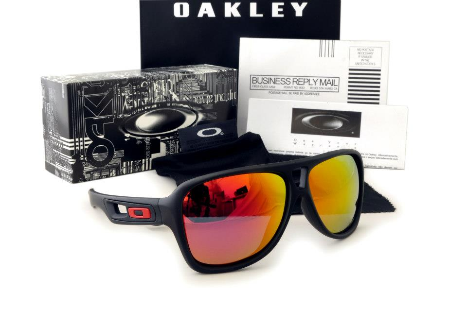 Frame Color: MATTE BLACK Lense Color: Fire Iridium Package : Soft Case, Oakley  Box, Cleaning Cloth