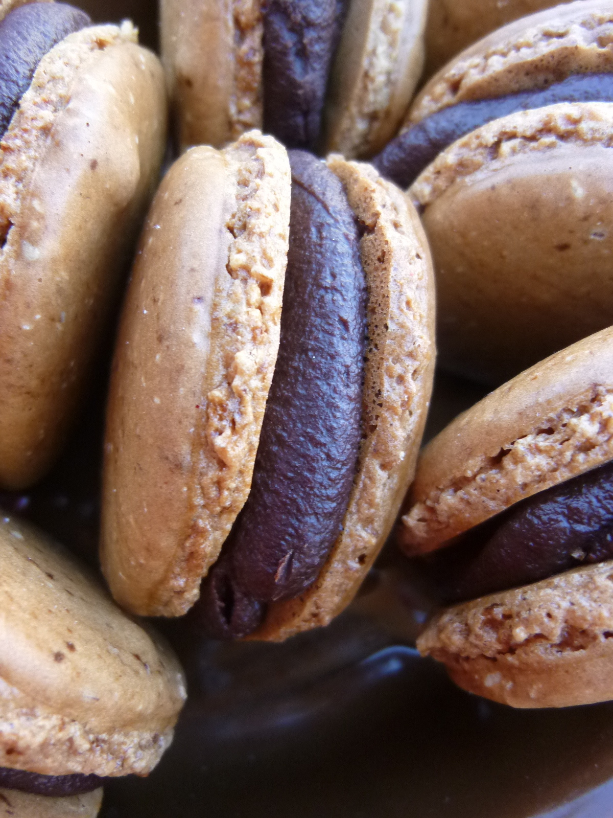 ... Mad Hausfrau: Espresso Macarons with Chocolate Rum Ganache Filling