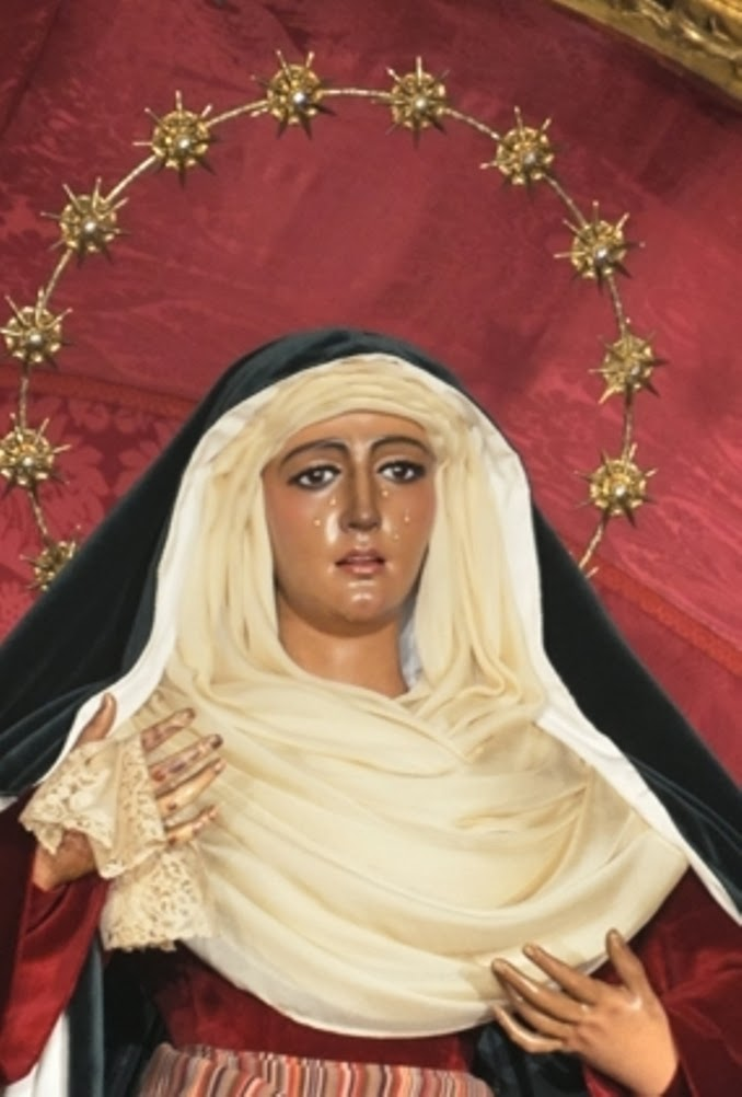 María Stma. de la Esperanza, Triana, Sevilla, Hebrea