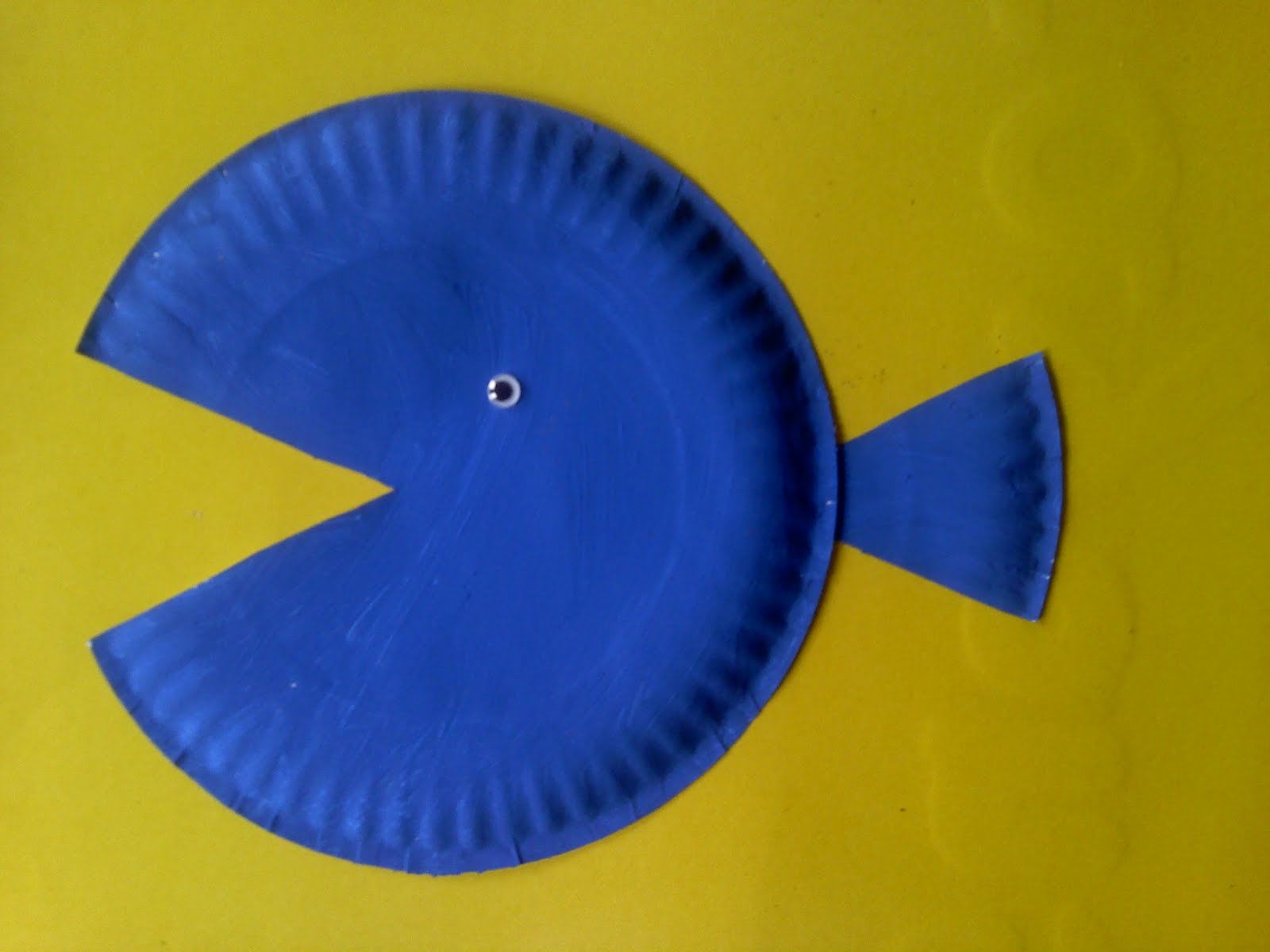 Crafts For Preschoolers: Paper Plate Fish