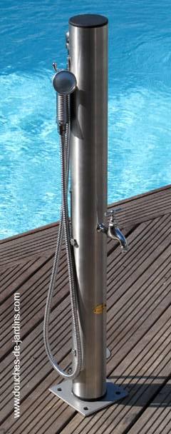 Regadera de metal para piscina