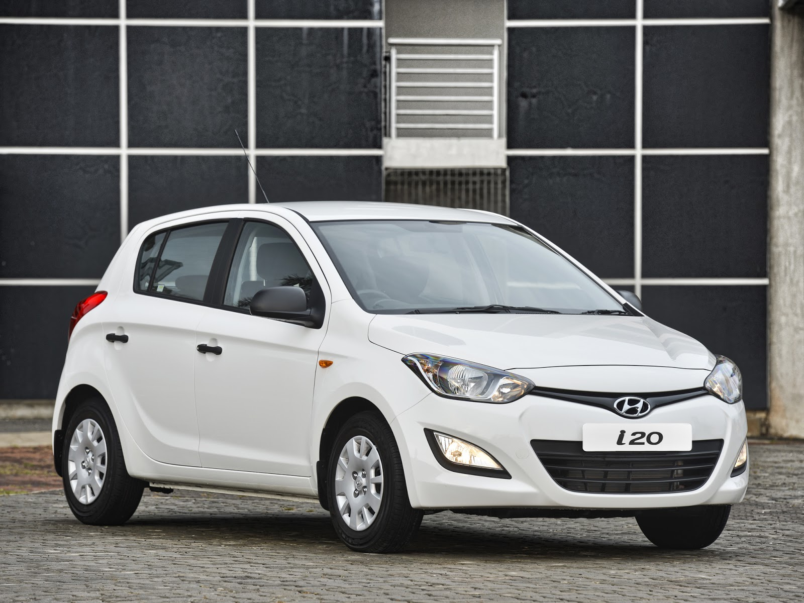 hyundai i20 new model i20 interior accessories hd images free download fine hd wallpapers