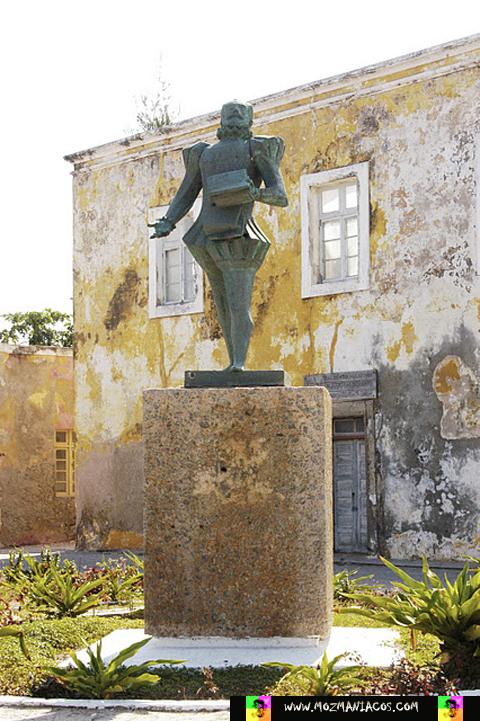 Estátua - Portugueses