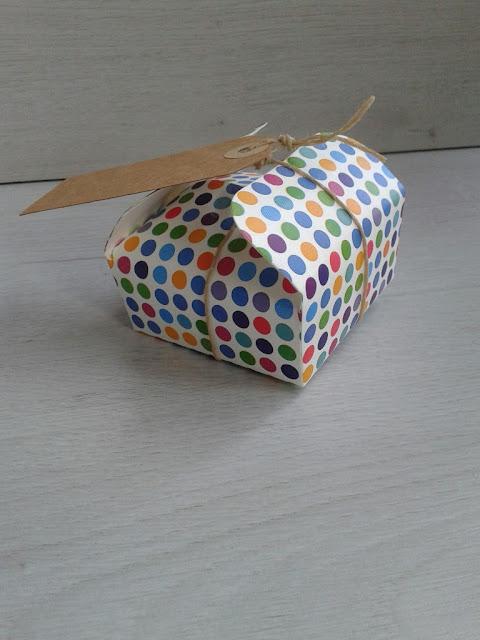 Uit mijn keukentje diy bonbon doosje maken for Kleine vijverfilter zelf maken
