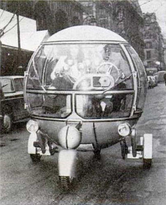 Strange Vehicle - L\'automodule 1970 - World full of Art