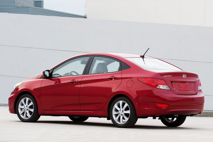 While The 2012 Accent Was Initially Rated And Promoted At 30 Mpg City, 40  Mpg Highway, The EPA Deemed Its Actual Fuel Efficiency To Be 28 Mpg City,  ...