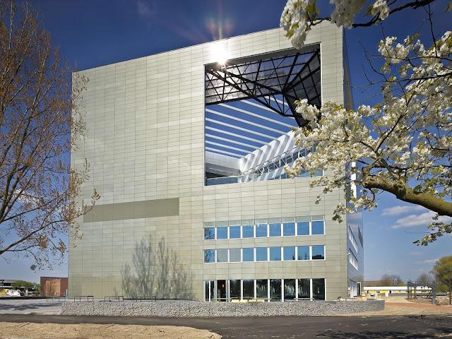 01-Orion-Wageningen-University-by-Ector-Hoogstad-Architecten
