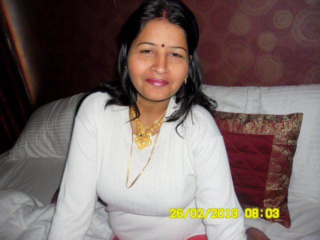 Desi wife Babli Sharma sexy wife Babli Sharma Beautiful young wife
