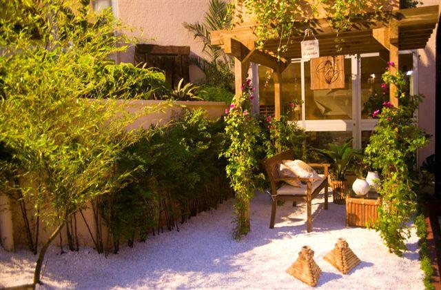 gazebo jardim madeira:Marcela Toscan Arquitetura: Pergolados e Gazebos