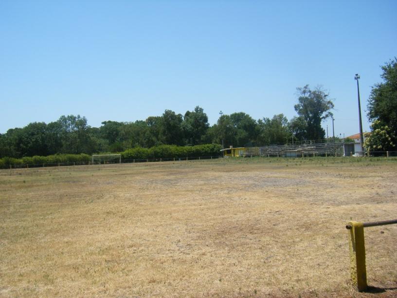 Campo Futebol do Valadense ao lado do parque de merendas ao abandono
