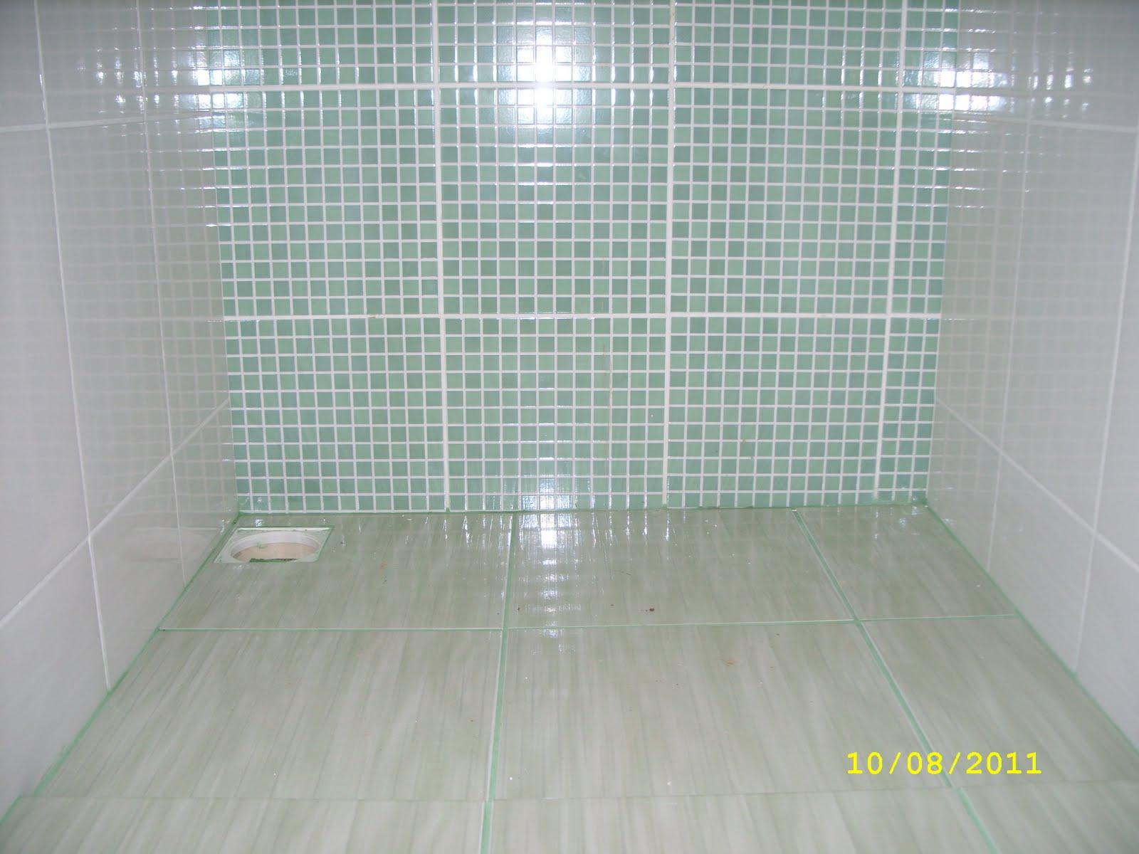 Pisos banheiros #AEB11A 1600x1200 Banheiro Com Piso Pastilhas