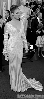 Jennifer Lopez over red carpet at 2012 Academy Awards - Oscar arrival