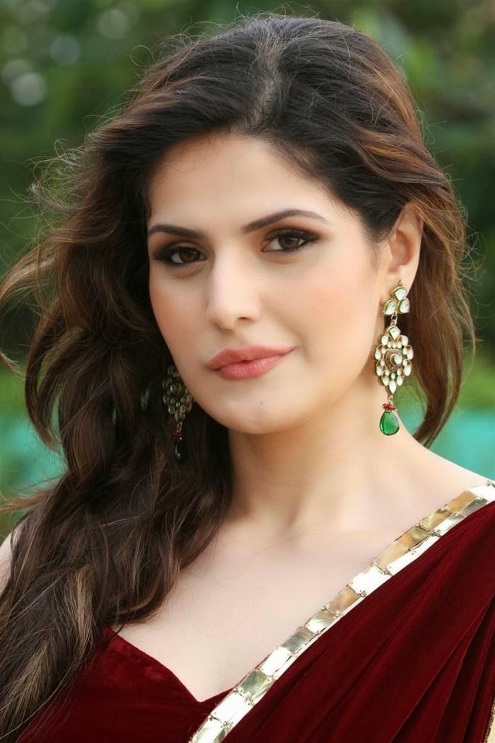 Zarine Khan Photos in Saree to Announce her Participation at the India Wedding Lounge