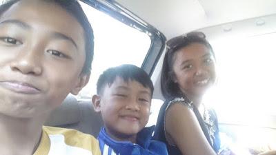 Liburan Tiga Generasi di Pantai Karang Bolong Anyer