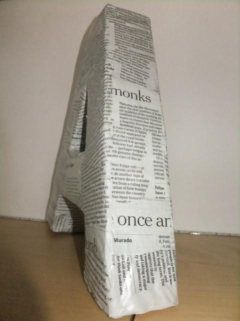 Buchstaben aus Pappe und Klorollen basteln