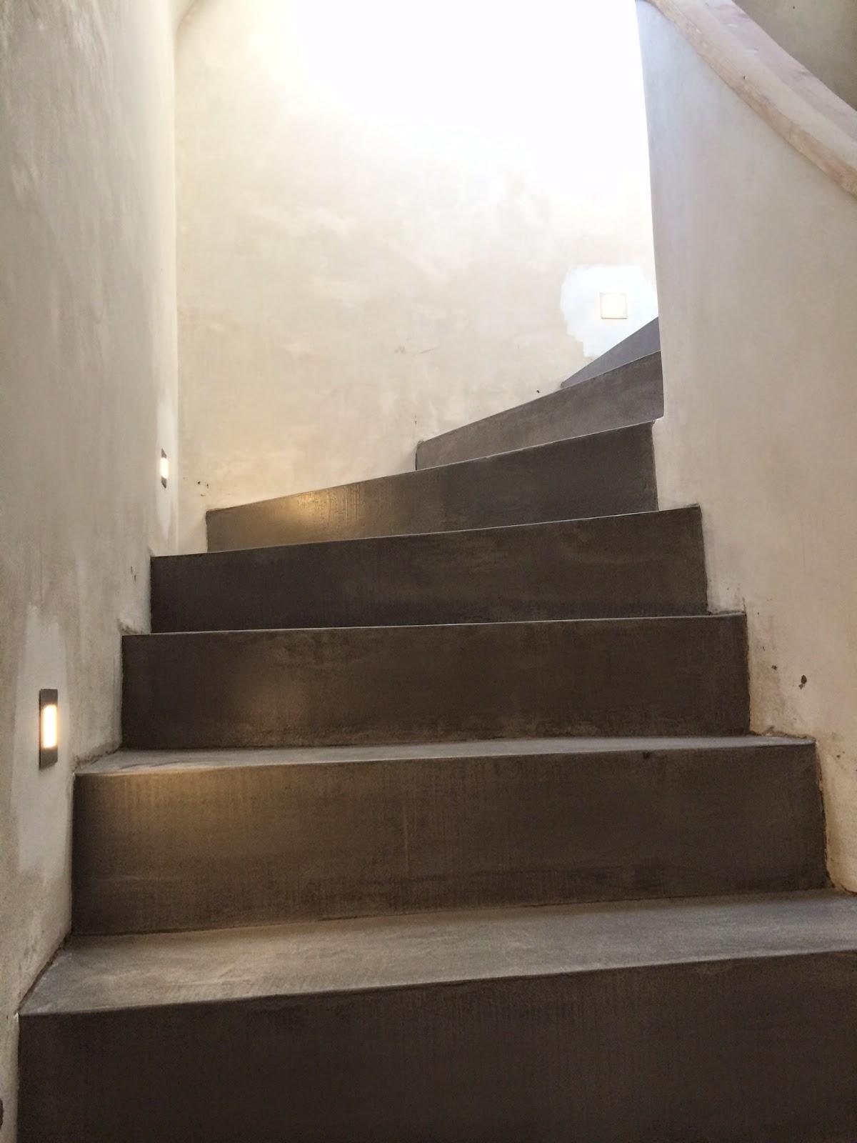 beton cire oberfl chen in beton look betontreppe beschichten sichtbetontreppe. Black Bedroom Furniture Sets. Home Design Ideas