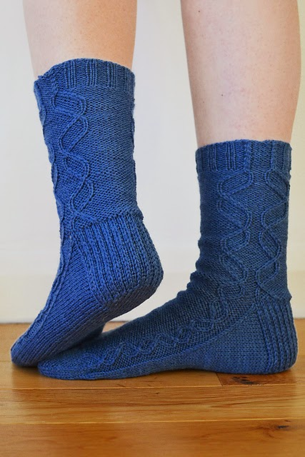 Sine Socks pattern by Katya Frankel