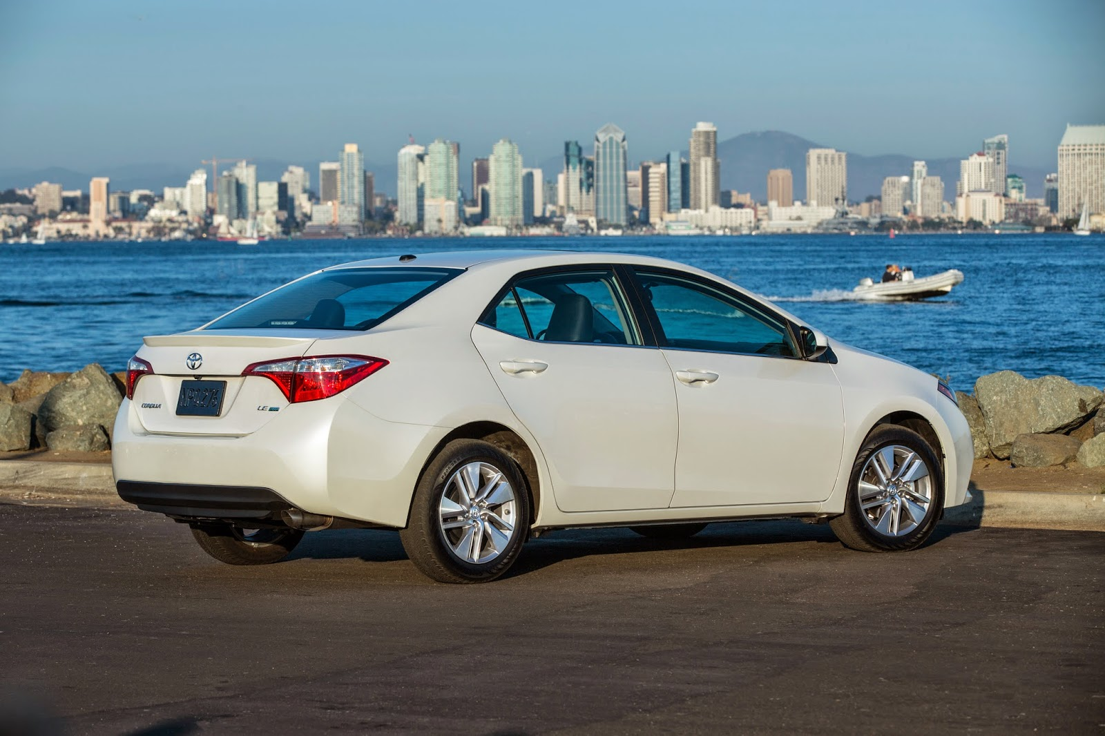 Round Two The 2015 Toyota Corolla Le Eco Premium
