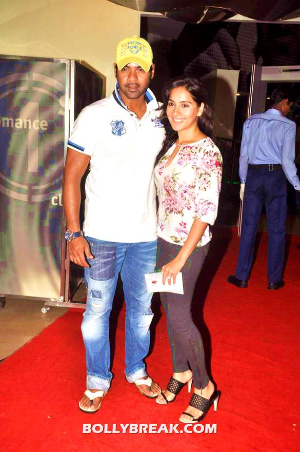 Shabbir Ahluwalia, Kanchi Kaul - (22) - Bollywood & TV Celebs at the Premiere of 'The Dark Knight Rises'