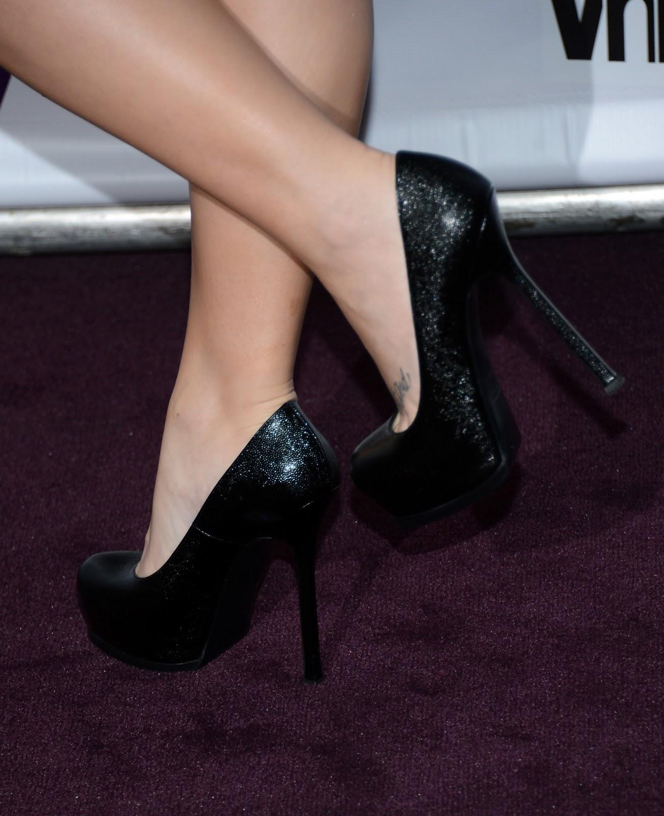 http://3.bp.blogspot.com/-5HhOqT6zfGw/UPxHFns_J9I/AAAAAAAAPzk/AaFb82S8juc/s1600/Demi+Lovato+%252839%2529.JPG