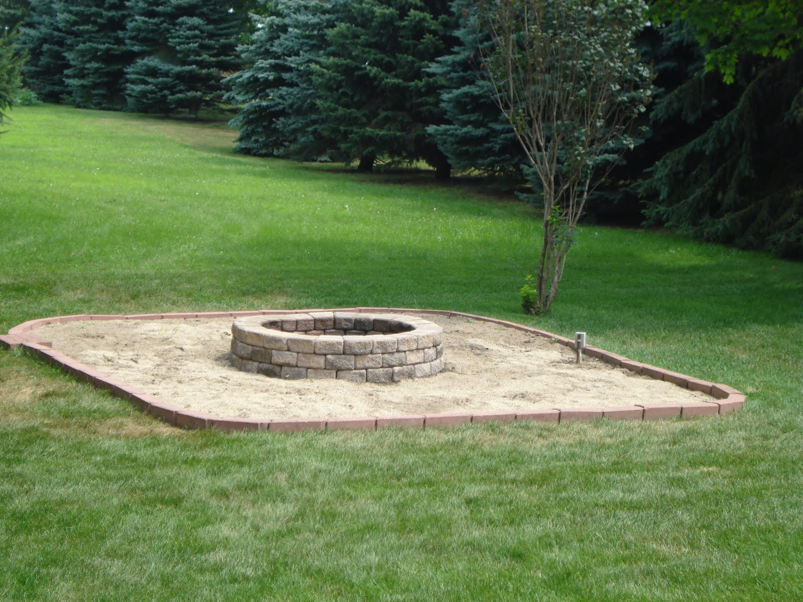 d and b backyard fire pit